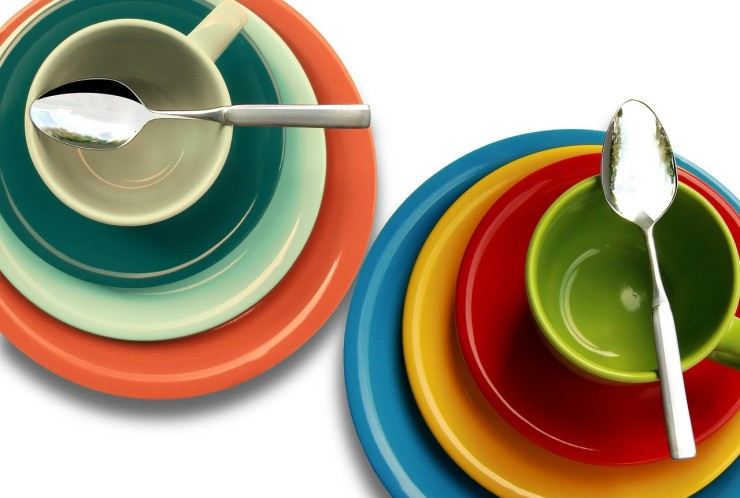Paper or Porcelain: Picking the Eco Option for Dinner Parties